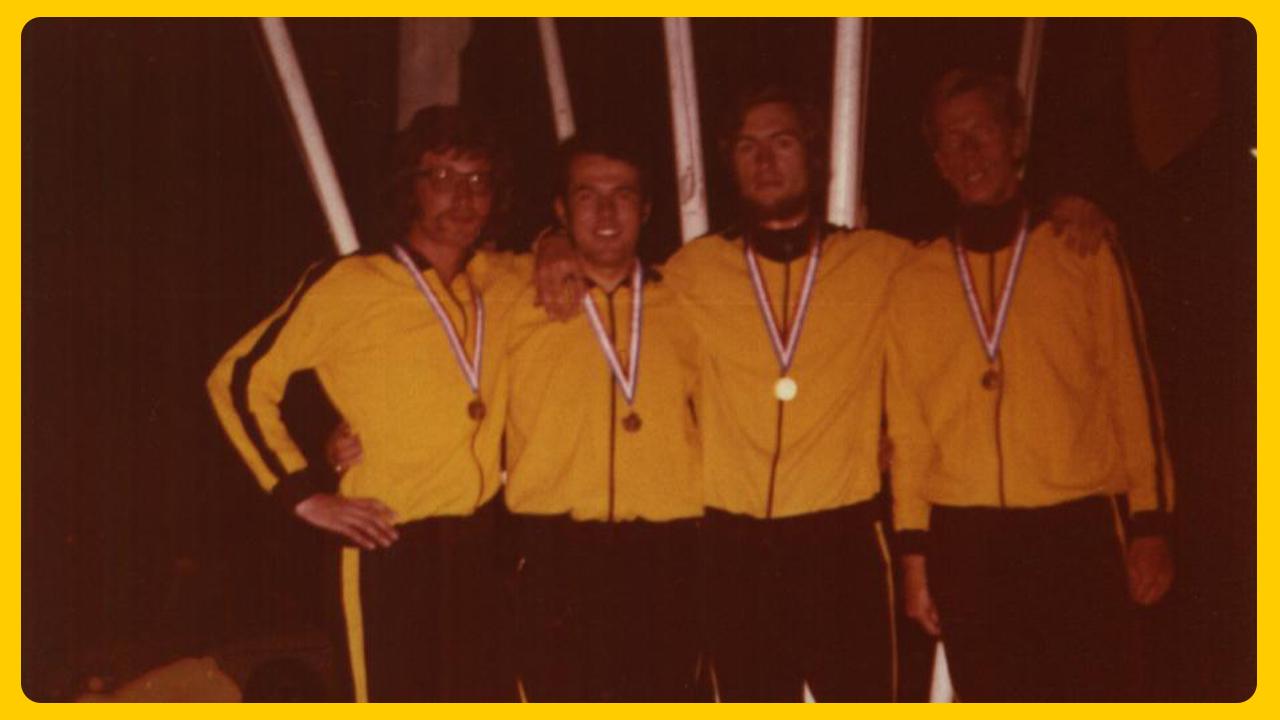 De gouden 4x100m estafetteploeg op het NK 1972 in Kerkrade