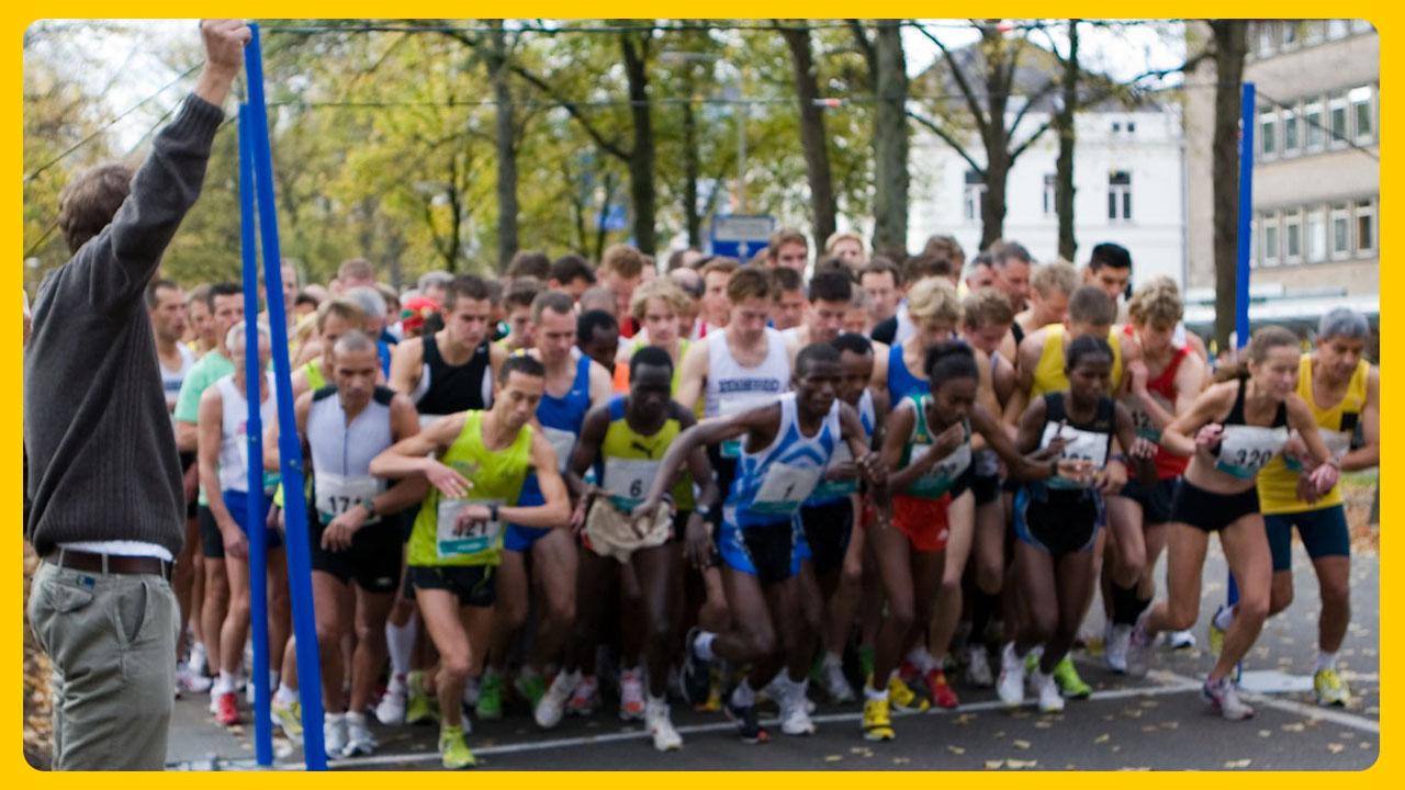De start van de 10 kilometer wedstrijdloop